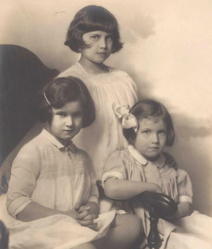 frances-meek-sisters